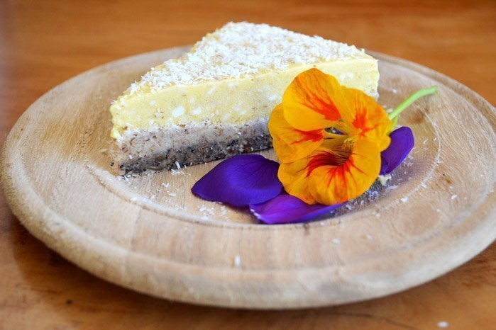 Mango-&-Coconut-Yoghurt-Raw-Cake_edited_web